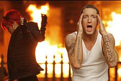 """Eminem Fell For Rihanna Making """"Love The Way You Lie"""""""