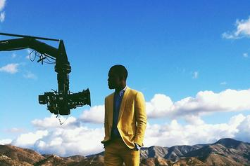 "BTS Photos: Frank Ocean On The Set Of ""Forrest Gump"""