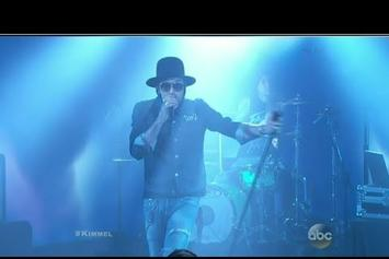 "Yelawolf Performs ""American You"" On Jimmy Kimmel With Travis Barker"