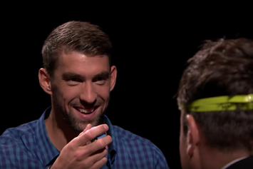 """Watch Michael Phelps Play """"Egg Russian Roulette"""" With Jimmy Fallon"""