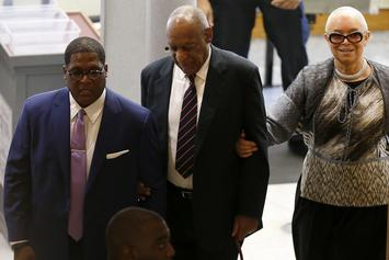 Bill Cosby's Wife Camille Finally Accompanies Him To Courthouse For Trial