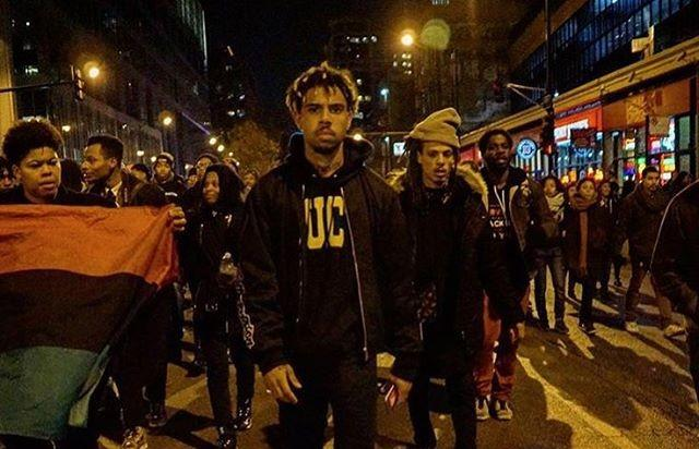 Vic Mensa marches in Chicago