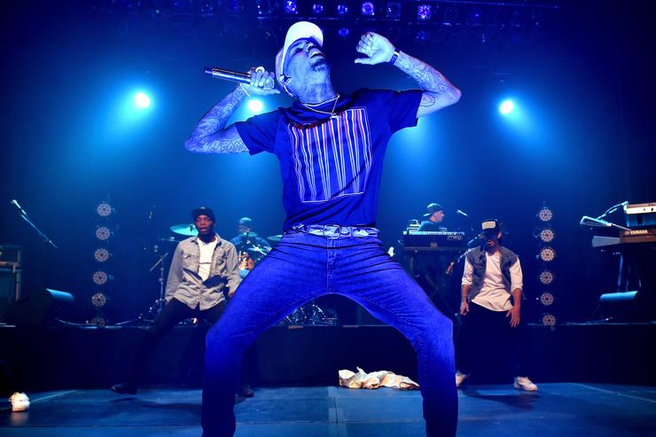chris brown performing in hollywood