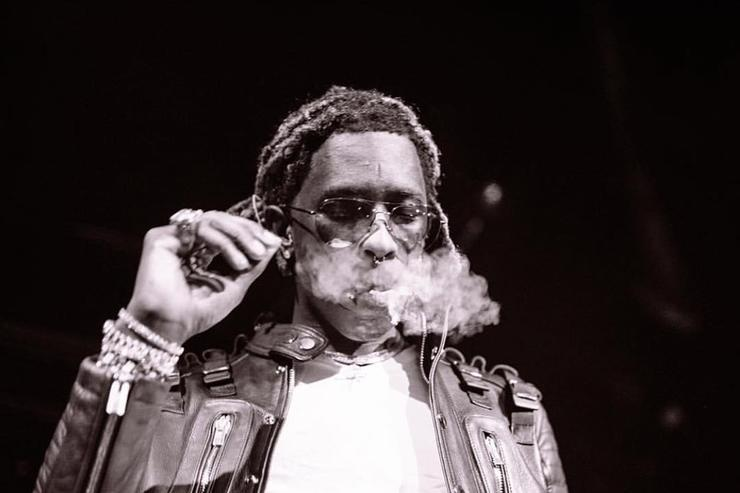 Young Thug smoking