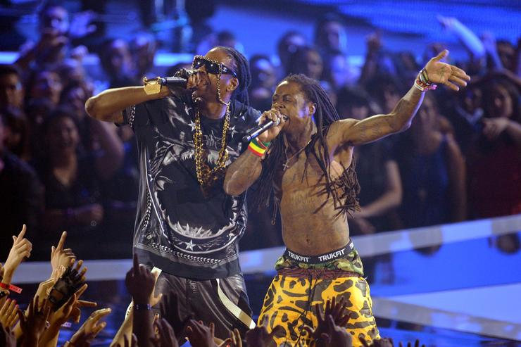 Lil Wayne & 2 Chainz performing on stage