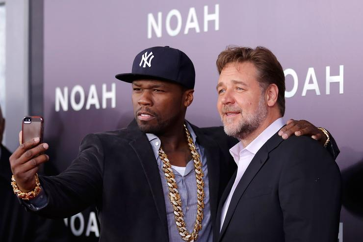 "50 Cent and Russell Crowe selfie at ""Noah"" premiere."
