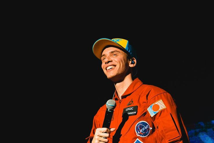 Logic on stage