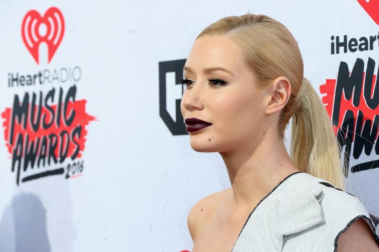 Iggy Azalea on red carpet for iHeart Radio awards