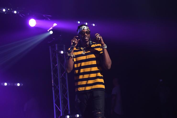 2 Chainz on stage