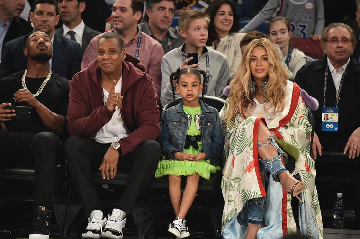 Jay Z, Blue Ivy & Beyonce at a basketball game
