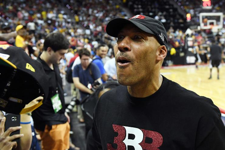 LaVar Ball gets tech, forfeits game after pulling AAU team off court