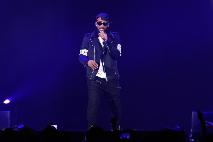 Georgia Official Calls for Criminal Investigation into R. Kelly, Cites New Evidence